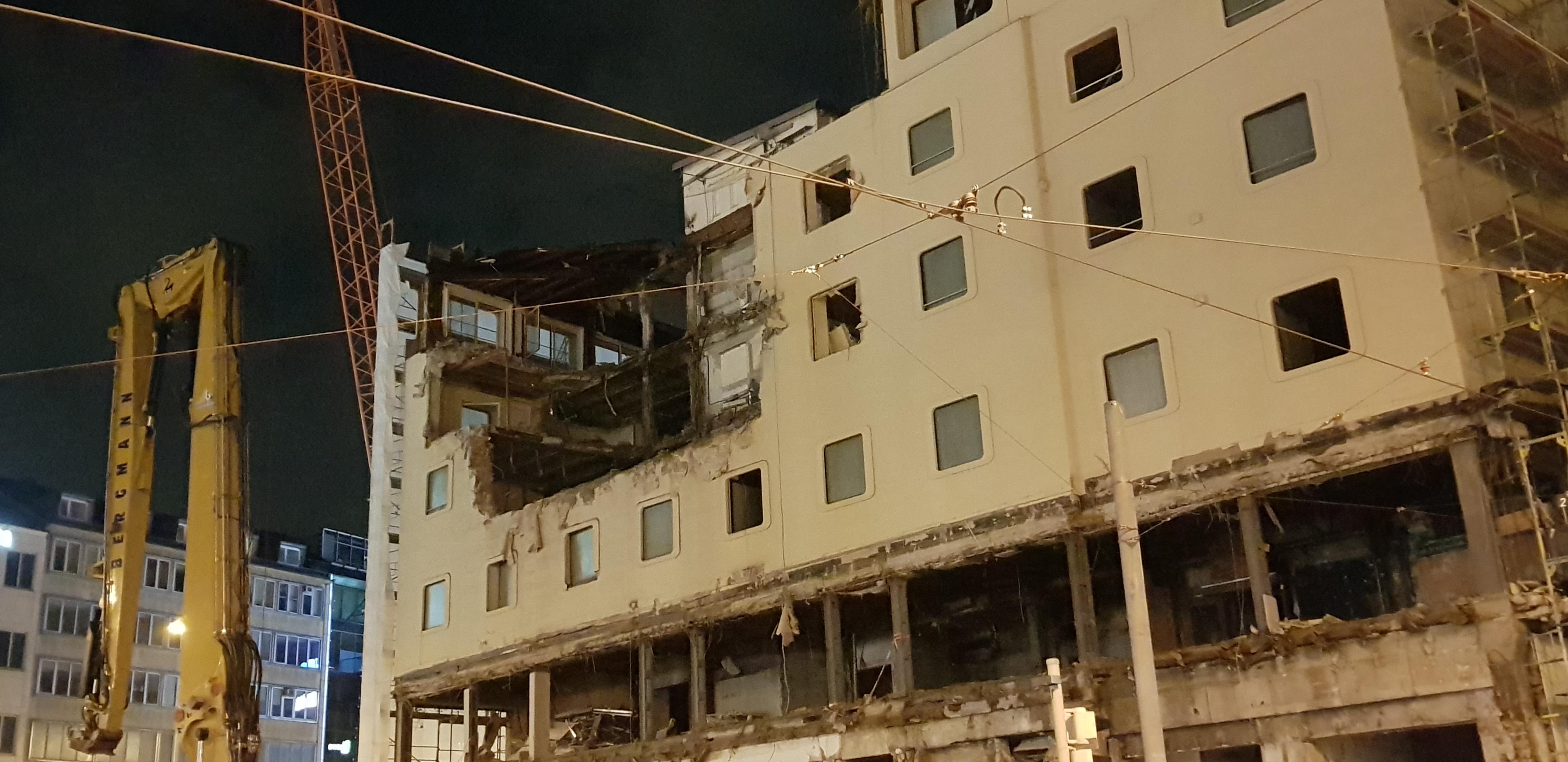 Hotel Königshof: Der Abriss hat begonnen